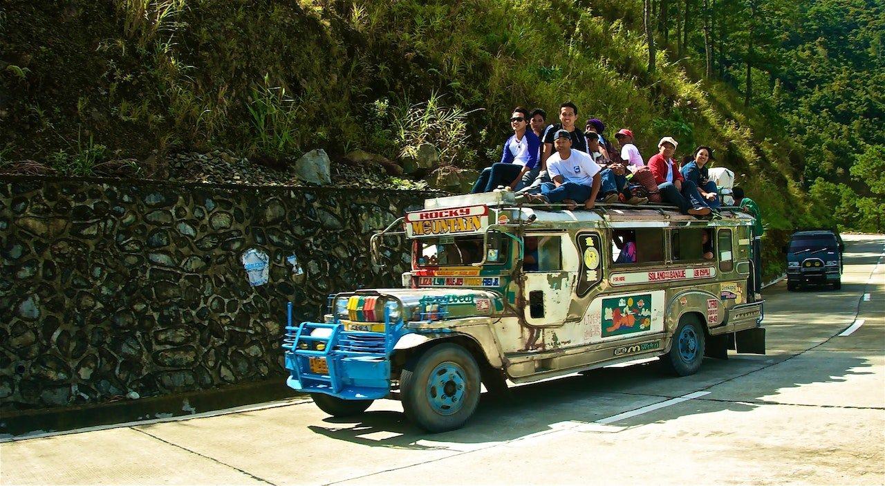 写真付き】フィリピン ジプニーの乗り方、料金 、路線図、注意点   世界を旅するノマド夫婦ブログ Big Roof Magazine